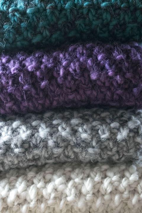 Foulard alpaga du Nord violet, blanc, gris et turquoise (teal)