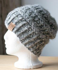 Tuque alpaga du Nord gris clair couleur naturelle non-teint