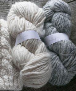laine alpaga fil lopi gris clair et blanc