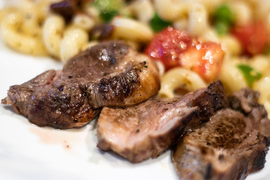 viande alpaga assiette