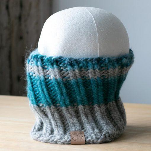 Cache-cou en alpaga bleu teal (teint à la main) et gris clair (sans teinture)