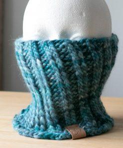 Cache-cou alpaga bleu-teal teint à la main