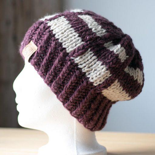 Tuque alpaga violet (teint à la main) et blanc naturel