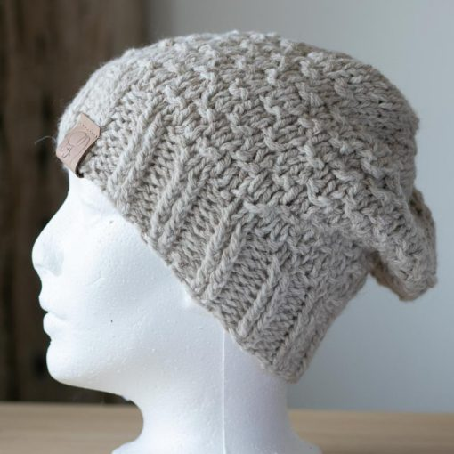 Tuque alpaga tricot beige couleur naturelle medium