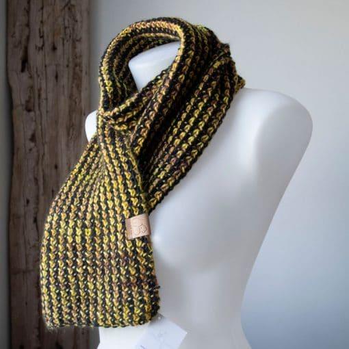 Foulard alpaga collection morgana noir et jaune (teint à la main)